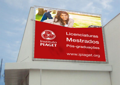 Impressão de lonas publicitárias para o Instituto Piaget