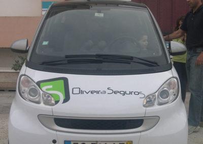 Oliveira seguros decoração de viatura frente