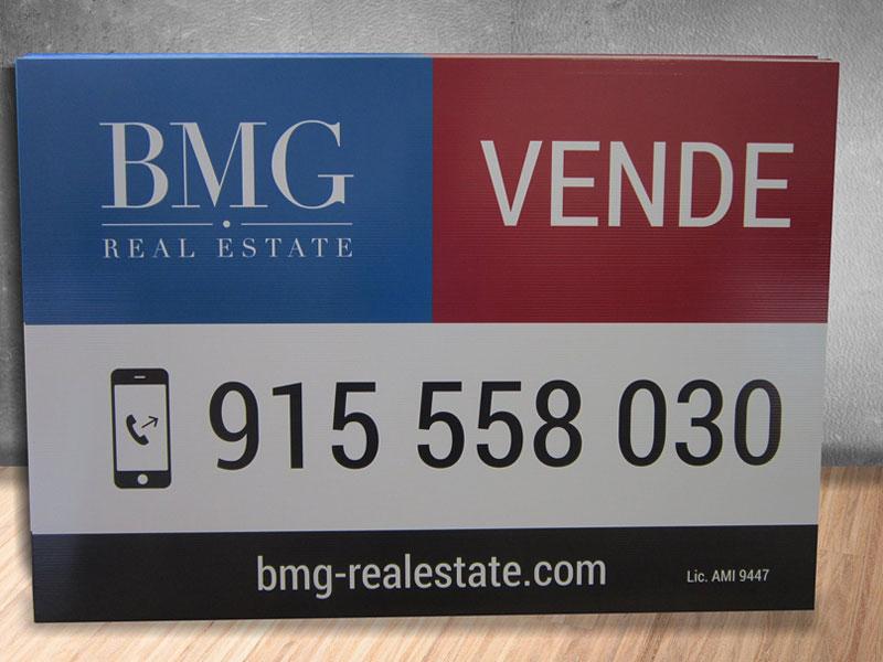 Placas para a BMG Real Estate imobiliária. Impressão e acabamentos