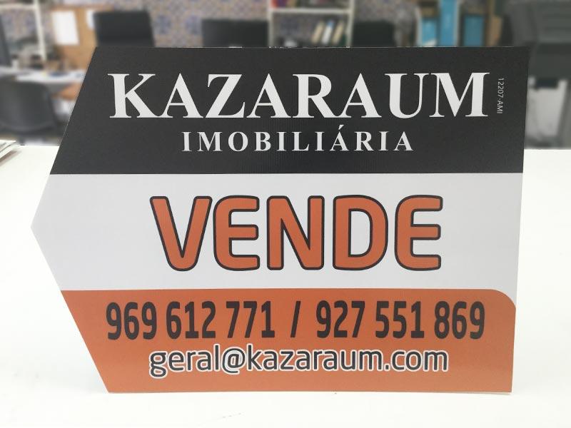 Kazaraum imobiliária placas setas á esquerda