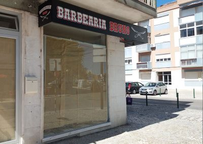Barbearia Bruno reclamo exterior