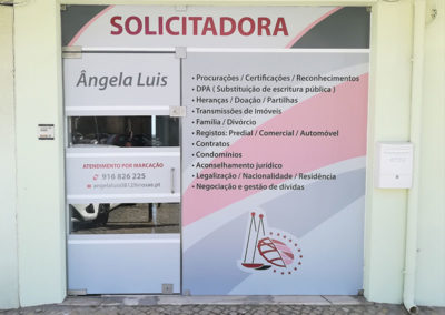 Decoração de montra Ângela Luis Solicitadora